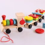 Early Learning Shapes Pulltrain